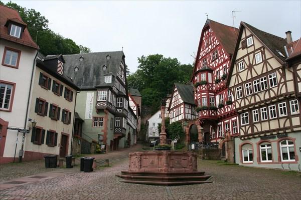 Мильтенберг. Marktplatz.