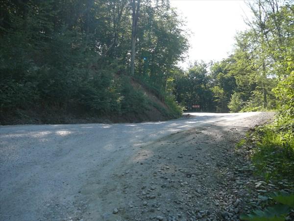 Дорога на Шаумянском перевале. Крутые подъёмы и повороты